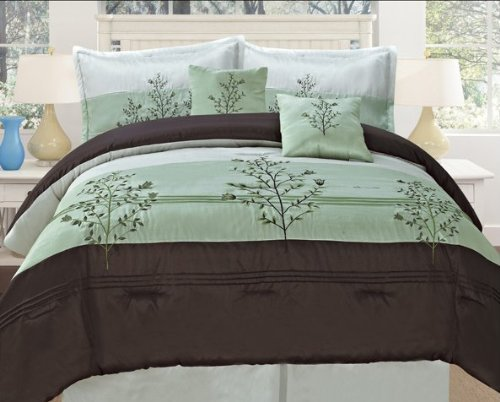 OctoRose Bamboo Nod Embroidery Sage Green Queen Oversize (90x94) Comforter Set Bedding-in-a-bag