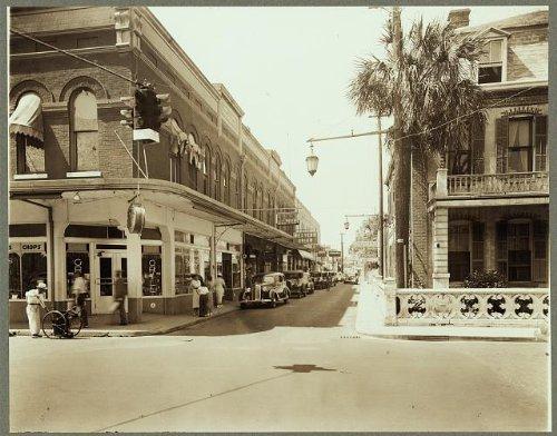 Photo: Saint George Street,traffic signals,St Augustine,Johns - Augustine Shops St Fl