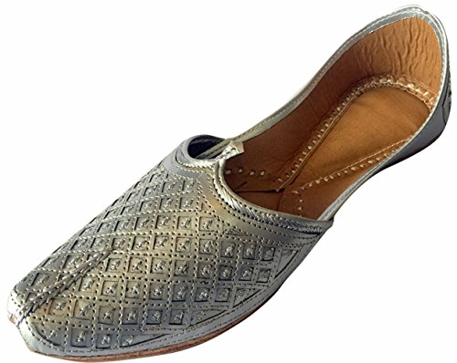 Step n Style Men's Flat Silver Wedding Khussa Shoes Traditional Indian Leather Loafer Punjabi Jutti by Step n Style