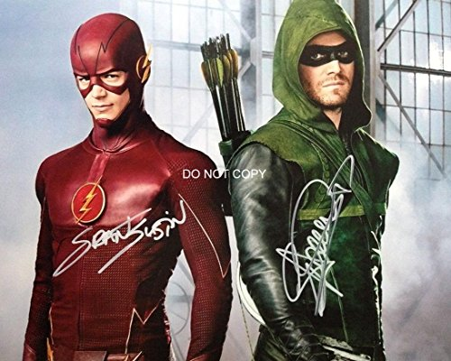 Stephen Amell & Grant Gustin of TV show ARROW reprint signed photo #2 RP from Loa_Autographs