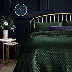 Rivet Modern Diamond Quilted Velvet Cove...