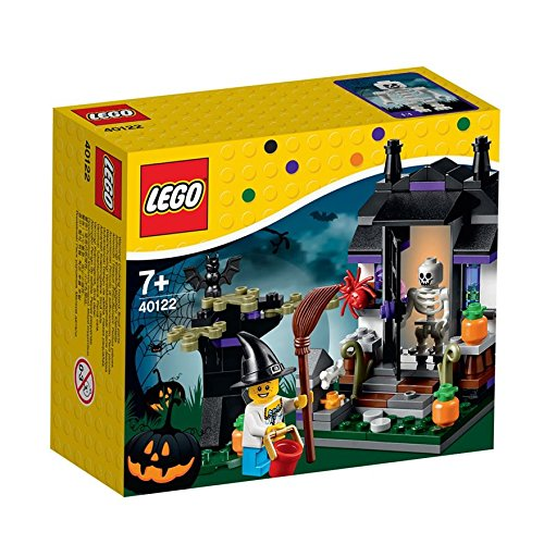 Lego Trick or Treat Halloween Seasonal Set # 40122]()