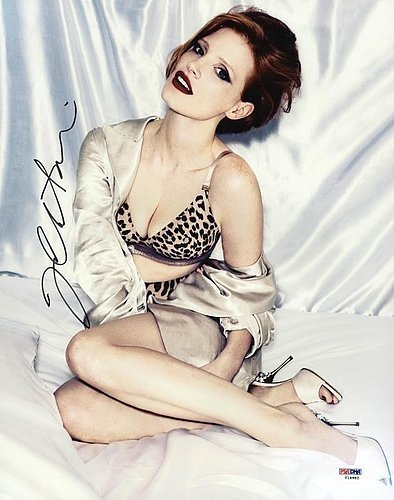 Jessica Chastain Signed 11x14 Photograph - PSA/DNA Authen...