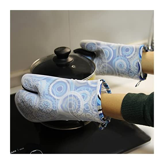Silicone Oven Mitts Gloves for Pot Holders Heat Resistant Kitchen Mitts with Quilted Cotton Lining by WCountFair -1 Pair 4 Professional Silicone Oven Mitt:100% FDA Approved,BPA Free Silicone,commercial grade,non toxic and waterproof.11.5 inches long length to protect the forearms. Heat Resistant UP to 464° F (240 Degrees Celsius),can be also used as pot holders hot pads and toaster sleeves when cooking or grilling or to place hot pots and pans on top of. Non-Slip Kitchen Oven Mitts: Thick Cotton inner linings adds comfort and protection,easy to put on or remove.Rugged texturing of the mitts' exterior offers exceptional gripping power to enable grasping any pot or pan without slips or spills.