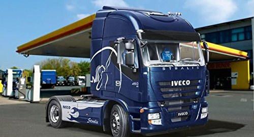 124-revell-iveco-stralis-truck