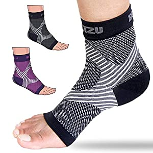 Plantar Fasciitis Socks with Arch Support, BEST Foot Care Compression Sleeve, Better than Night Splint, Eases Swelling & Heel Spurs, Ankle Brace Support, Increases Circulation, Relieve Pain BLACK S/M