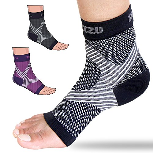 Plantar Fasciitis Socks with Arch Support, BEST Foot Care Compression Sleeve, Better than Night Splint, Eases Swelling & Heel Spurs, Ankle Brace Support, Increases Circulation, Relieve Pain BLACK S/M (Socks Feet)