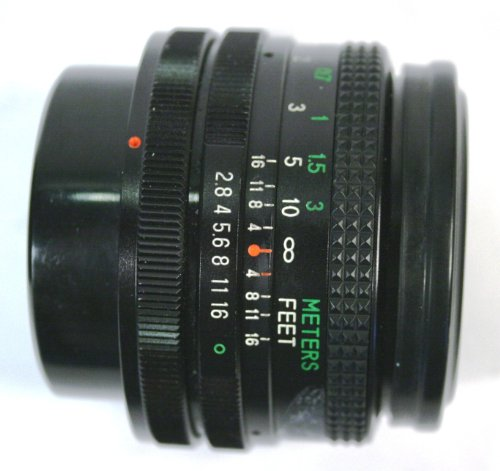 Vivitar 49mm 28mm 1:2.8 MC Close Focus Wide Angle No. 285245