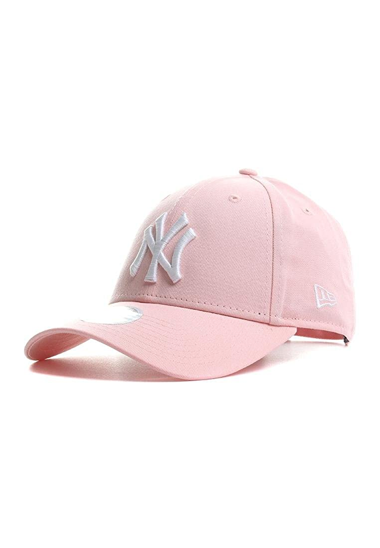 League Essential New York Yankees
