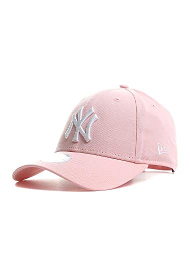 84a2d08f1cefc New Era Women s New York Yankees Essential 9 Forty Cap