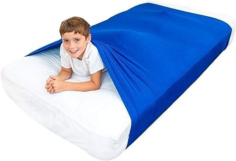 enfant 5 ans dort sur matelas