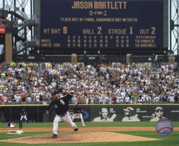 Mark Buehrle '09 Perfect Game Final Pitch with Scoreboard Sports Photo (10 x 8) - Scoreboard Photo