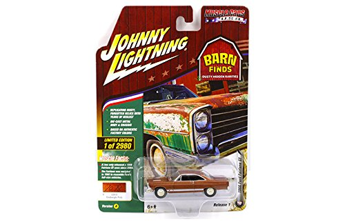 New 1:64 AUTO WORLD JOHNNY LIGHTNING MUSCLE CARS USA 2018 COLLECTION - 1966 Ford Fairlane GT (Emberglo Poly)