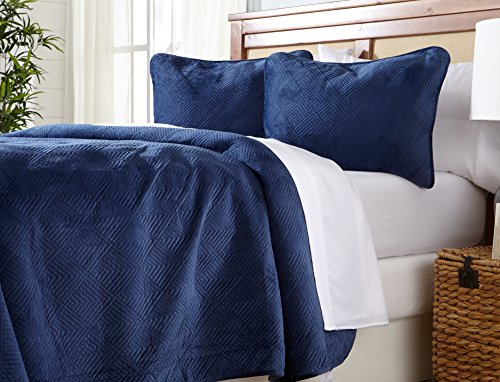 Great Bay Home Velvet Quilt Bedding Set, Luxury Diamond Pattern Quilted 3-Piece Solid Coverlet. Velvet Top with 70% Cotton Filling. (Twin, Navy)