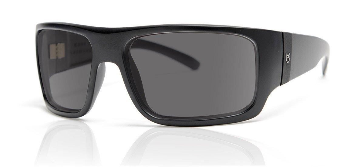 Amazon.com: madson maníaco, color negro mate: Sports & Outdoors