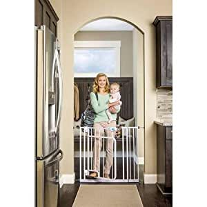 Regalo New Easy Step Hands Free Walk Through Indoor Safety