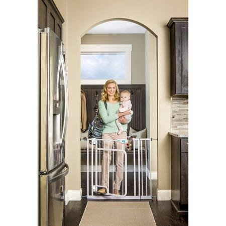 Image of the Regalo New Easy Step Hands Free Walk Through Indoor Safety Baby Gate 32