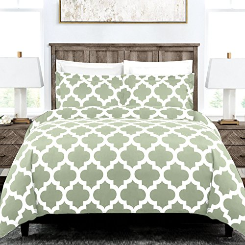 Italian Luxury Quatrefoil Duvet Cover Set - 3-Piece Ultra Soft Double Brushed Microfiber Printed Cover with Shams - Full/Queen - Sage/White (Sham Double Queen)