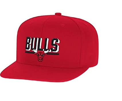 Mitchell   Ness Men s Straight Shot Chicago Bulls Snapback Hat  Red ... a714859ca0a