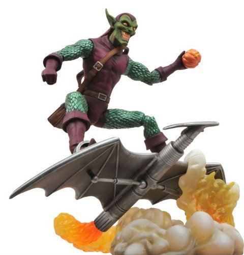 Diamond Select Toys Marvel Select: Green Goblin Action (The Green Goblin Costume)