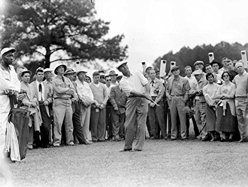 Ben Hogan chips to second green in the fourth round of the Masters Tournament at Augusta 1954 Golf Legends 8 x 10 photo