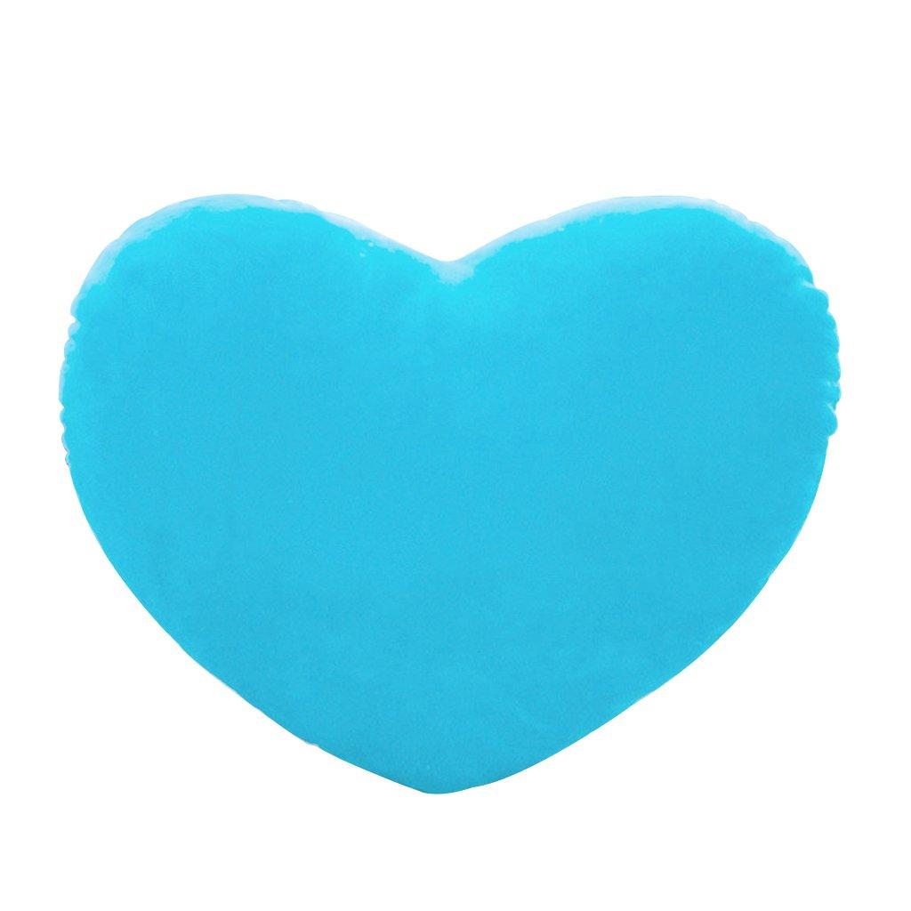 Cojines en forma de corazón en varios tonos