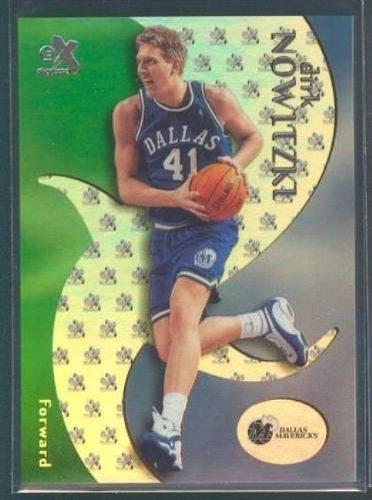 2000 Fleer - Skybox - Dirk Nowitzki - Dallas Maveriks - Card 11