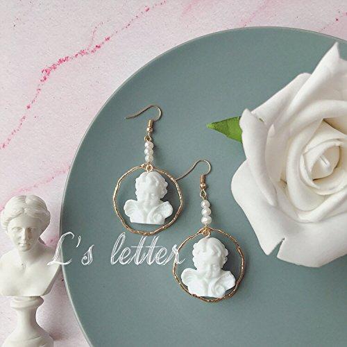 (usongs Retro Baroque style three-dimensional white resin necklace pendant earrings angel)