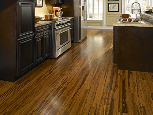 Black Diamond Wood & Laminate Floor Cleaner, For Hardwood, Real, Natural & Engineered Flooring, Biodegradable Safe for Cleaning All Floors, 32 Oz by Black Diamond Stoneworks (Image #3)