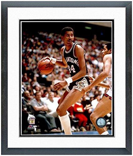 NBA George Gervin San Antonio Spurs Action Photo (Size: 12.5