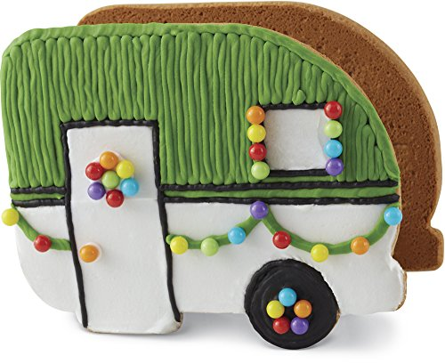 (Wilton Build It Yourself Gingerbread Camper Decorating)