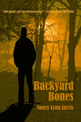 Backyard Bones (Regan McHenry Real Estate Mysteries Book 2)