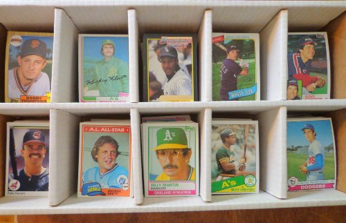 - Warehouse Find! Over 2,000 Baseball Card Collection From 1970's and Up! Includes a Honus Wagner Reprint and Rookie Cards of Barry Bonds, Mark Mcgwire, Tom Glavine, Gary Sheffield, Randy Johnson, Craig Biggio and More. Included are 100 TOPPS baseball cards from each year: 1980, 1981, 1982, 1983, 1984 and 1985. Plus 100 cards from the 1970's. Other stars included are: Pete Rose, Nolan Ryan, Roberto Clemente, Babe Ruth, George Brett, Robin Yount, Yaz, Cal Ripken and Ozzie Smith.