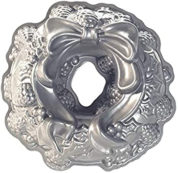 Nordic Ware Platinum Holiday Wreath Bundt Pan