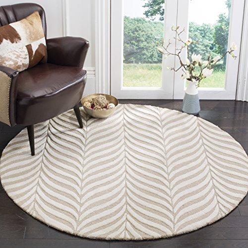 Safavieh Bella Collection BEL135A Handmade Sand and Ivory Premium Wool Round Area Rug (5' Diameter)