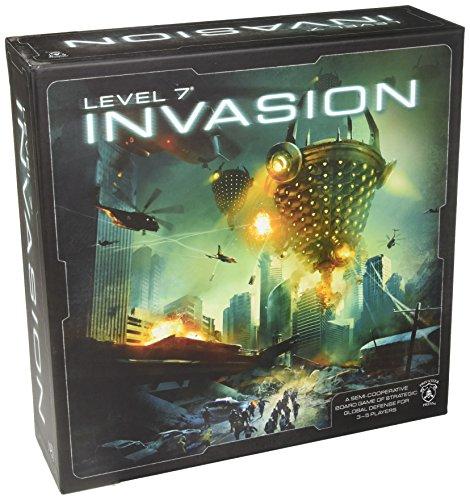 Level 7 Invasion Board Game ()