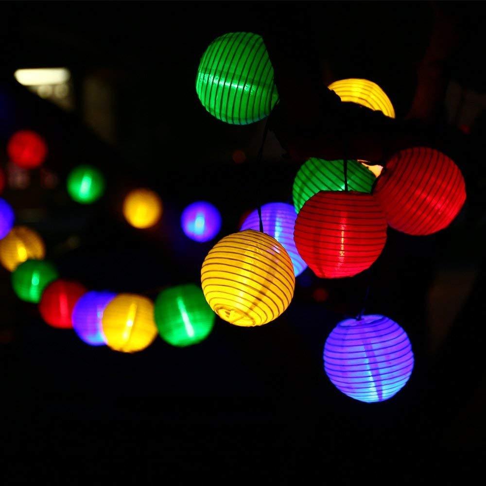 Qedertek Luci Natalizie da Esterno, 30 Lanterne Impermeabile 6M Catena Luminosa, Luci Colorate per Addobbi Natalizi, Luci Stringa Solare per Decorazione di Giardino, Albero di Natale, Finestra, Patio, Balcone,Terrazza