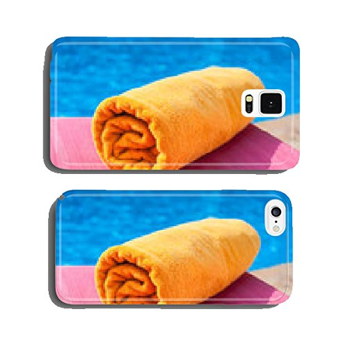 towel-lying-on-a-lounger-near-the-pool-cell-phone-cover-case-iphone5