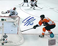 Autographed Claude Giroux Philadelphia Flyers 8x10 Photo