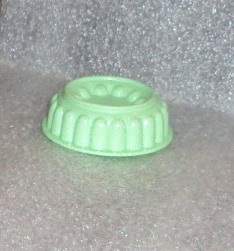Rare Tupperware Collectible Jel-Ring Jello Mold Green Magnet Mini