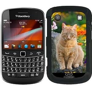 Funda para Blackberry Bold 9900 - Gato Del Jengibre En Un Jardín by Katho Menden