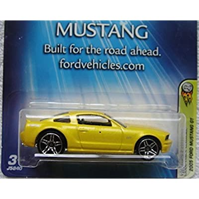 HOT WHEELS FORD MUSTANG BUILT FOR THE ROAD AHEAD 2005 FIRST EDITIONS YELLOW 2005 FORD MUSTANG GT: Toys & Games
