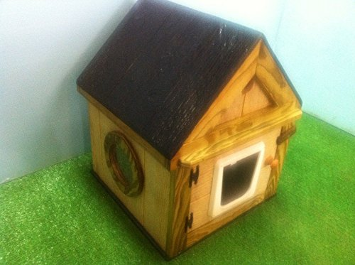 Heated outdoor Cat House/2 doors by STABOB'S HANDCRAFTED PET HOUSES