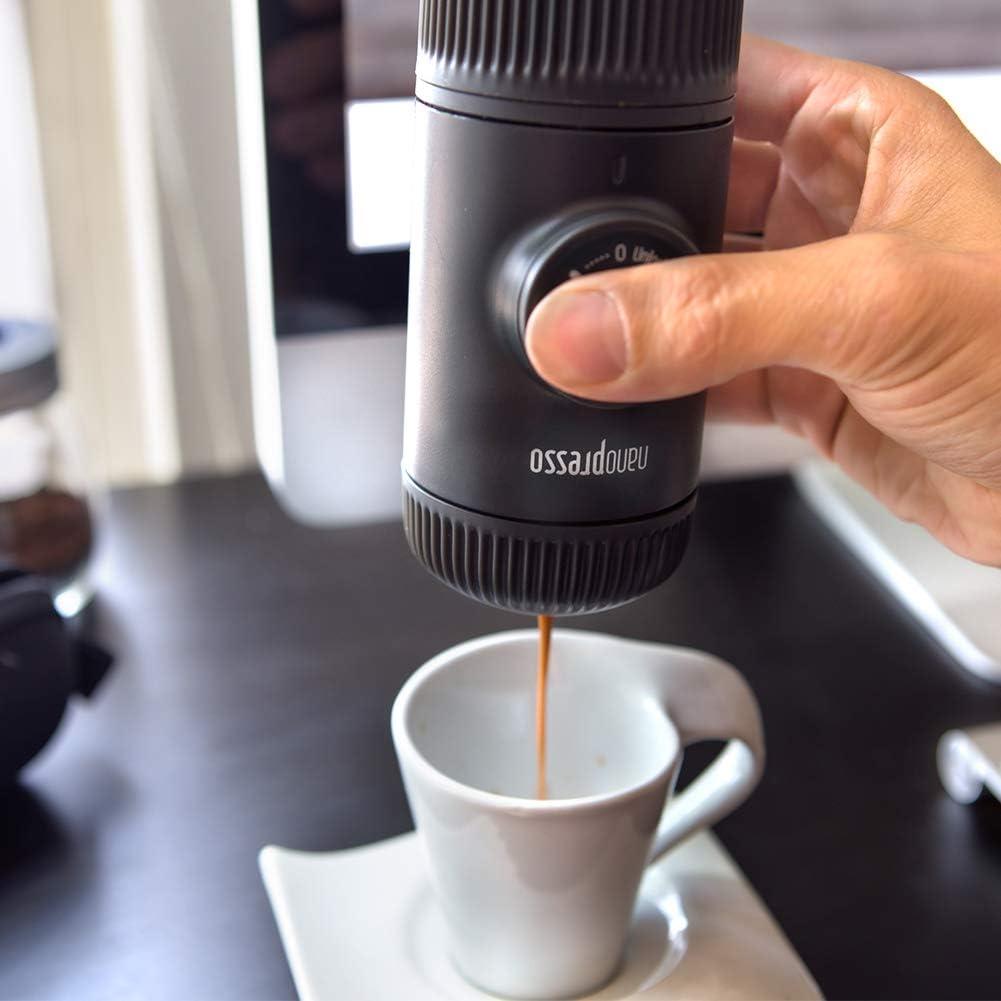 WACACO Nanopresso Cafetera Espresso Portátil, Versión Mejorada de Minipresso