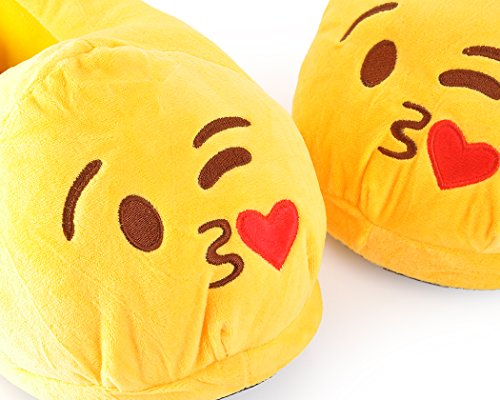 DSstyles EMOJ Face Cute Emoticon Unisex Winter Plush Indoor Slippers for Adult Kissy wkDhwcTk