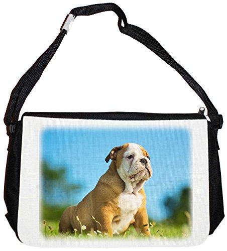 Schultertasche Messenger Bag Collegetasche Umhängetasche - Motiv: Englische Bulldogge kleiner brauner Welpe sitzt im Gras - 05