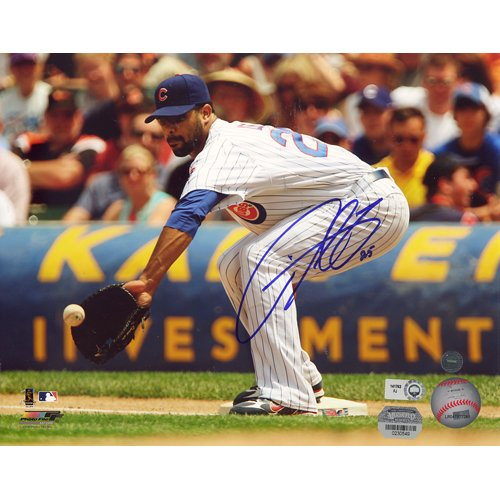 Lee Pinstripe Jersey - MLB Chicago Cubs Derrek Lee Fielding Pinstripe Jersey Horizontal Photograph, 8x10-Inch