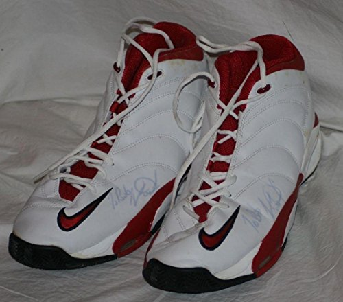 2001 Charles Oakley, Chicago Bulls, Game Worn & Signed Shoes, Mears LOA - Autographed Game Used NBA Sneakers