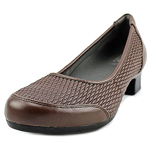 footsmart-stretchables-gina-pumps