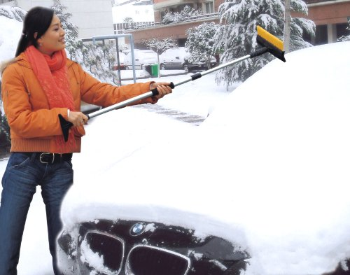 LONG Winter Telescopic Car/Suv Snow Broom (Squeege, Scraper & Ice Brush)